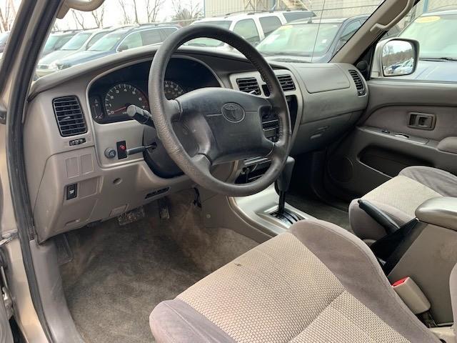Toyota 4Runner 2002 price $3,000 Cash