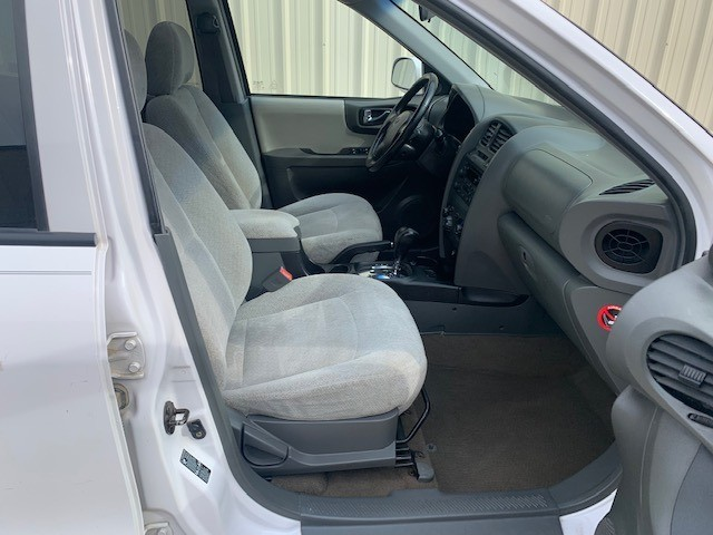 Hyundai Santa Fe 2005 price $2,498 Cash