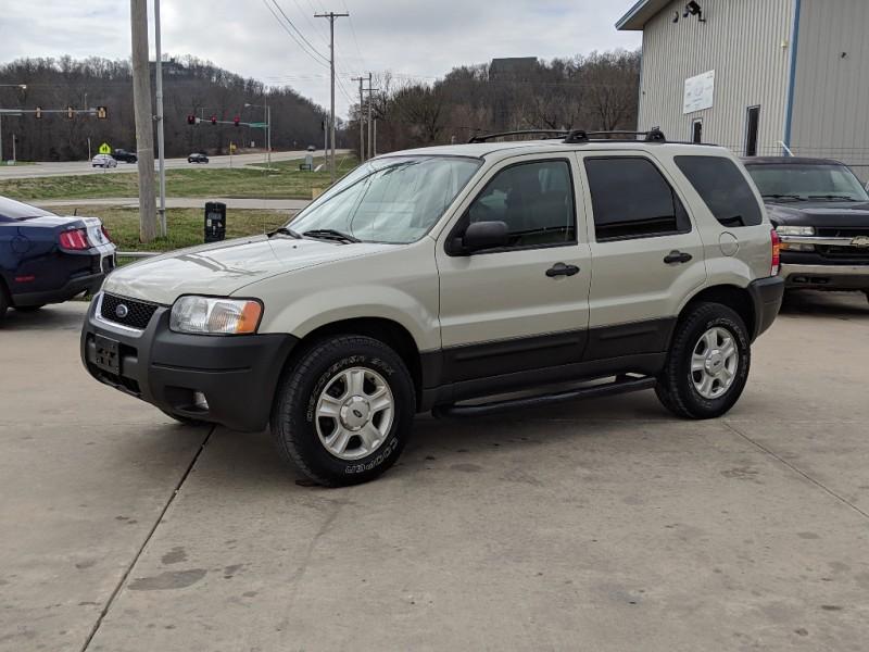 Ford Escape 2003 price $4,900 Cash