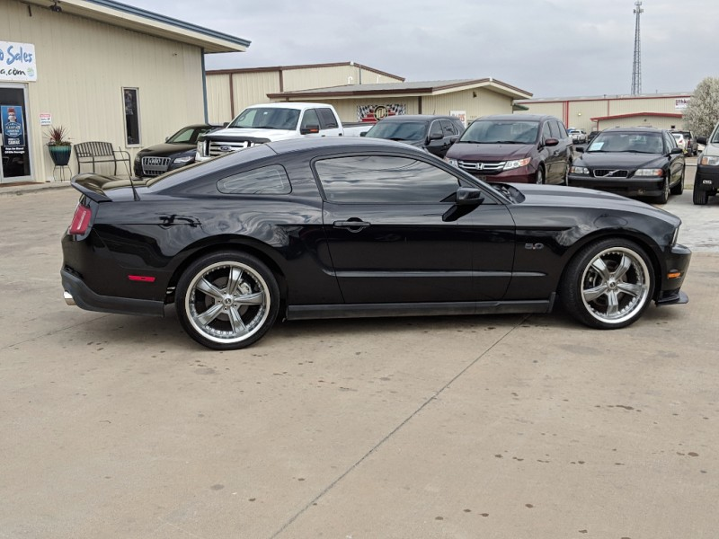 Ford Mustang 2011 price $14,998 Cash