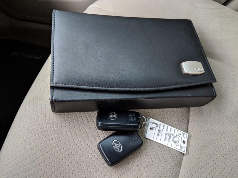 Toyota Prius 2010 price $9,998 Cash