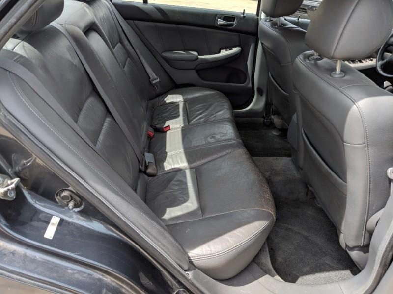 Honda Accord 2005 price $3,000 Cash