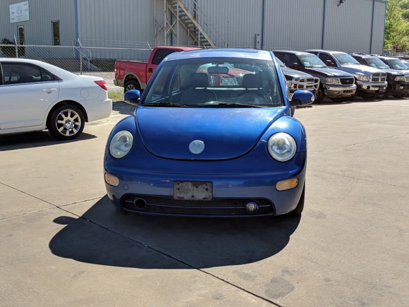 Volkswagen New Beetle Coupe 2004 price $2,300 Cash