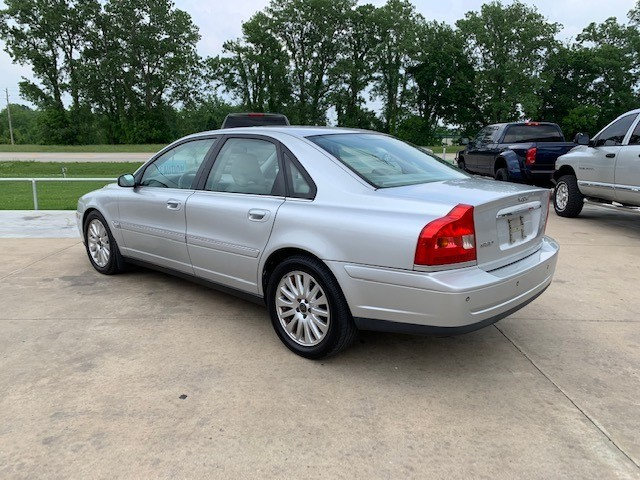 Volvo S 80 2004 price $3,400 Cash