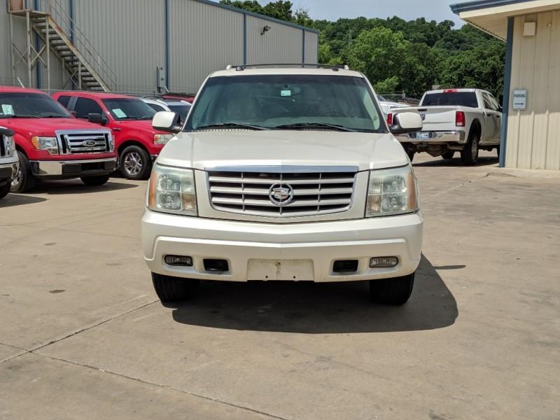 Cadillac Escalade 2004 price $5,500 Cash