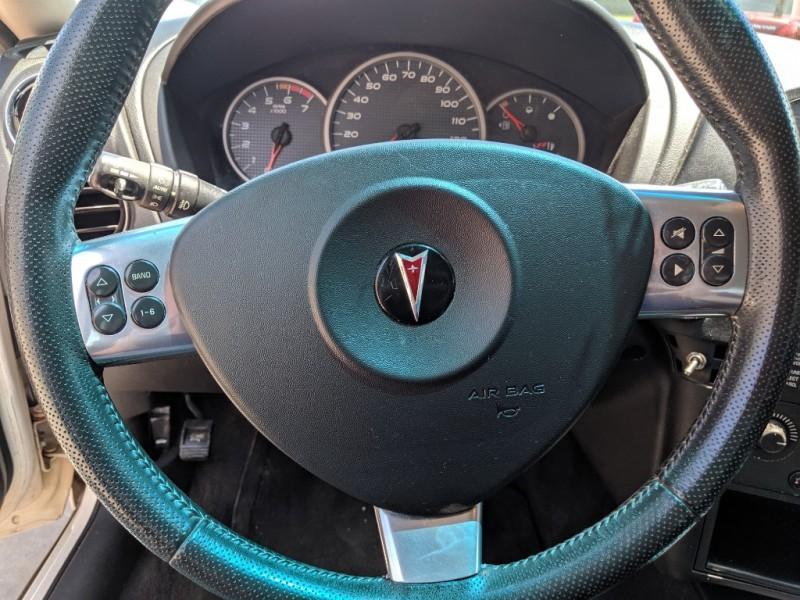 Pontiac Grand Prix 2006 price $2,700 Cash
