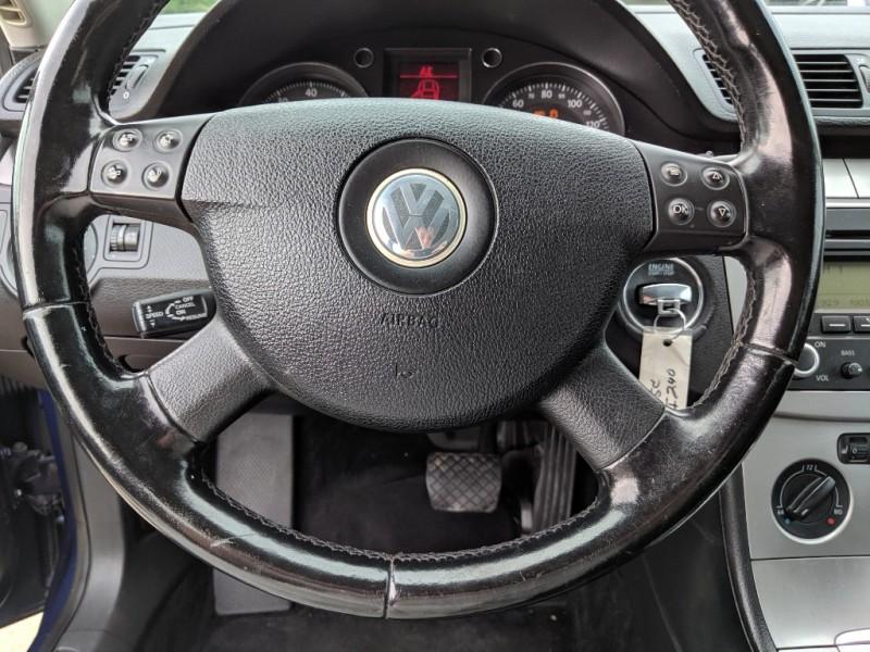 Volkswagen Passat Sedan 2006 price $3,300 Cash