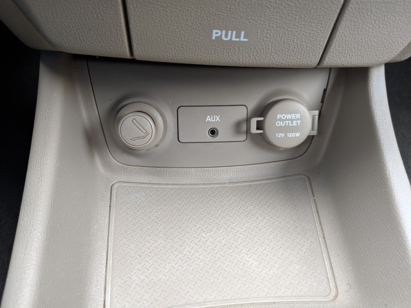 Hyundai Elantra 2008 price $3,400 Cash
