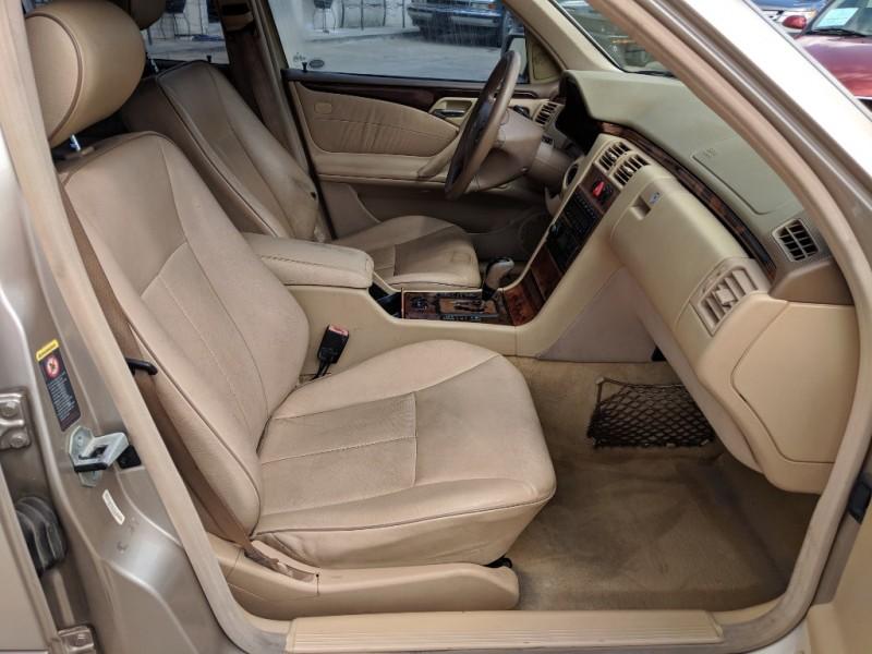 Mercedes-Benz E-Class 2002 price $2,700 Cash