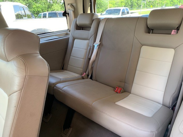 Ford Expedition 2003 price $4,000 Cash