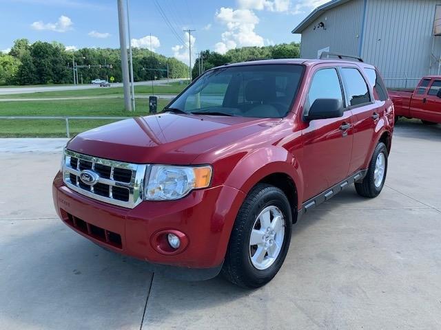 Ford Escape 2011 price $4,000 Cash