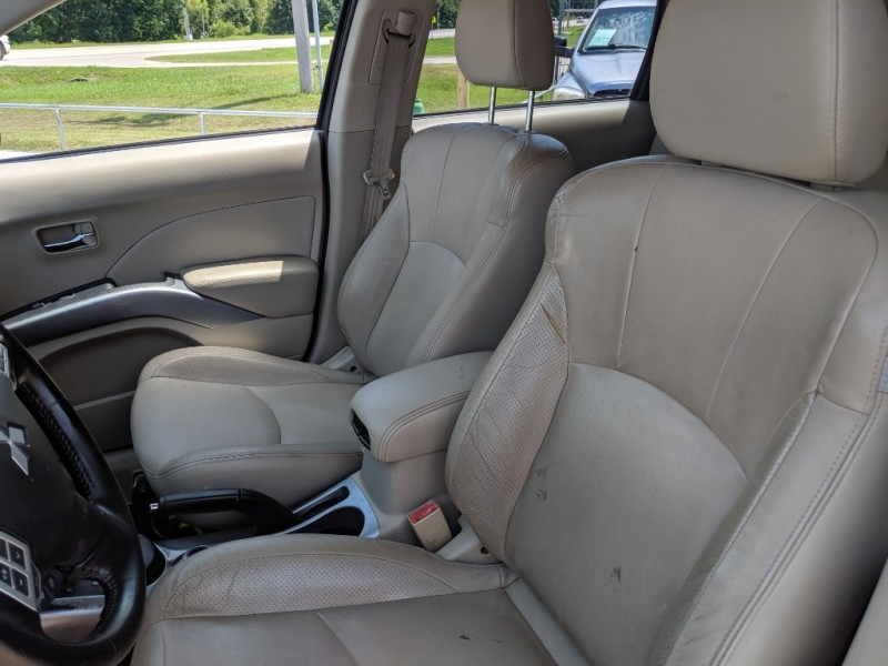 Mitsubishi Outlander 2008 price $3,900