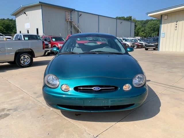 Ford Taurus 1998 price $2,500