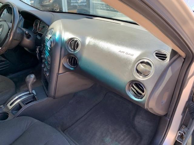 Pontiac Grand Prix 2006 price $2,500 Cash