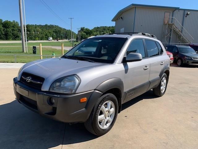 Hyundai Tucson 2005 price $3,300