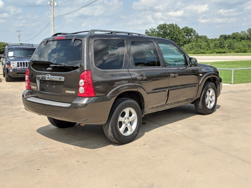 Mazda Tribute 2006 price $3,000 Cash