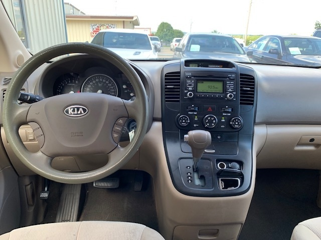 Kia Sedona 2010 price $3,500 Cash