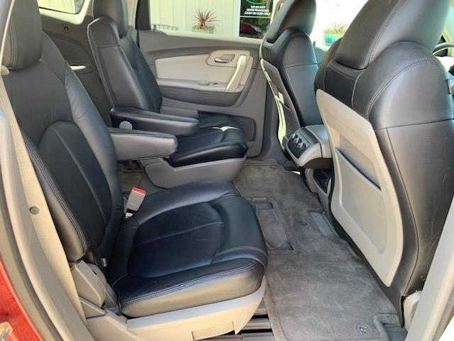 Chevrolet Traverse 2009 price $9,700 Cash