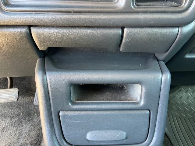 Chevrolet Avalanche 2002 price $4,000