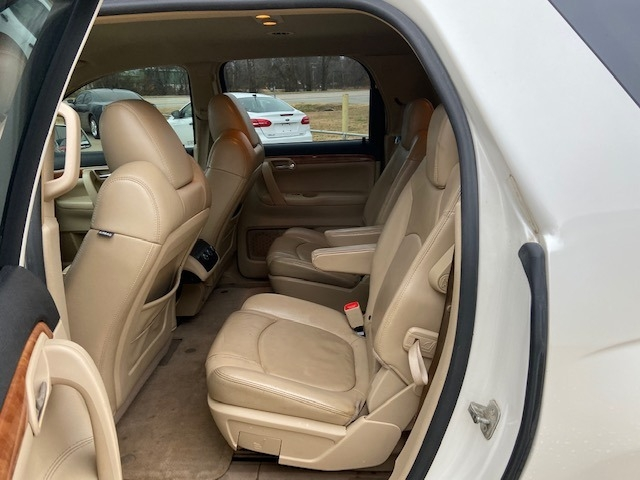 Saturn Outlook 2008 price $4,000 Cash