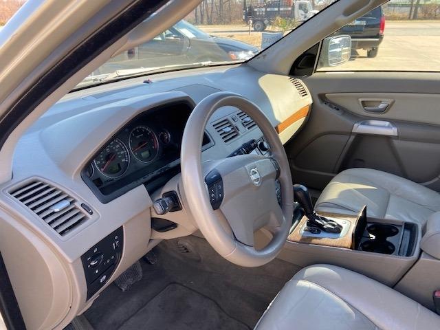 Volvo XC 90 2006 price $4,000 Cash