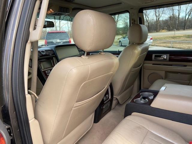 Lincoln Navigator 2006 price $4,500 Cash