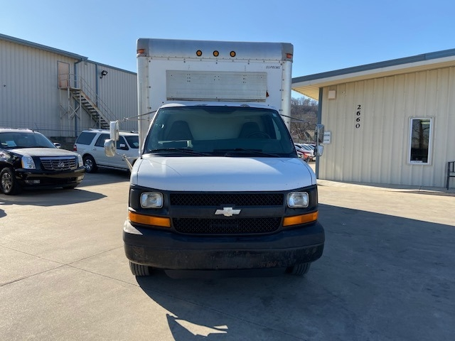 Chevrolet Express Commercial Cutaway 2004 price $5,800 Cash