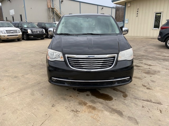 Chrysler Town & Country 2012 price $5,900 Cash