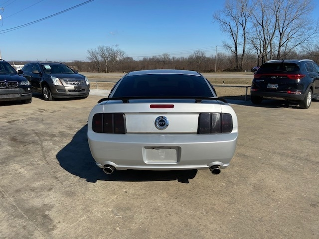 Ford Mustang 2005 price $5,500 Cash