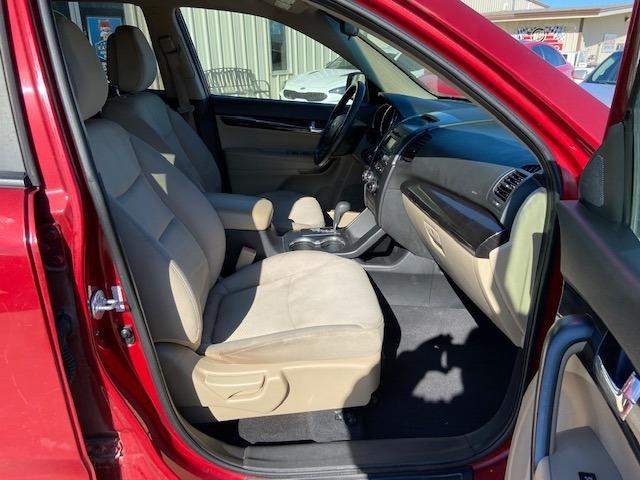 Kia Sorento 2011 price $5,400 Cash