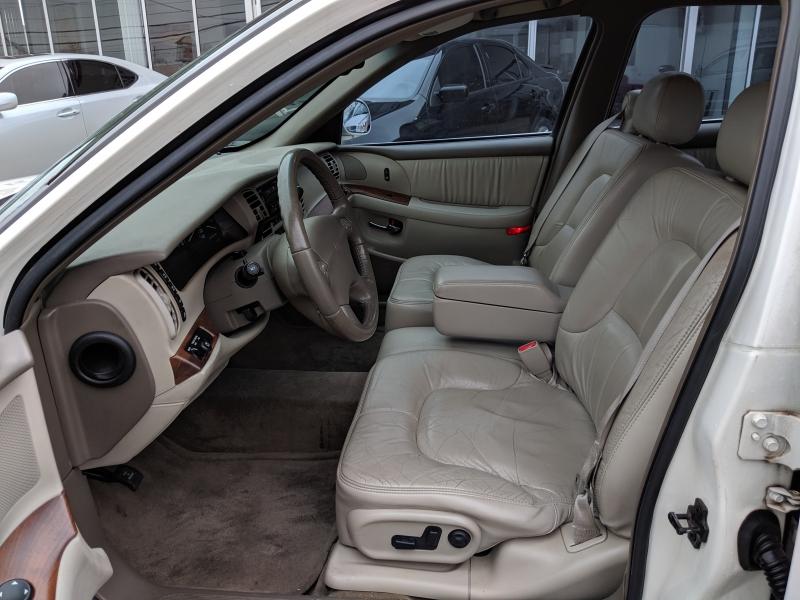 Buick Park Avenue 2001 price $4,000 Cash