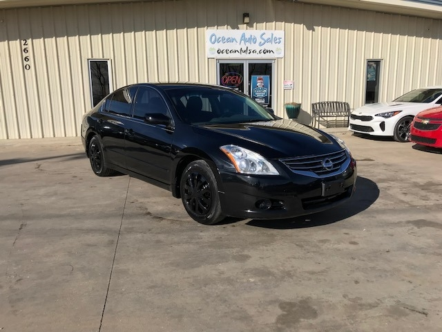 Nissan Altima 2011 price $4,300 Cash