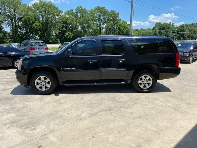 GMC Yukon XL 2007 price $7,900 Cash