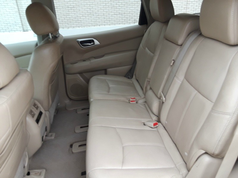 Nissan Pathfinder 2013 price $12,988