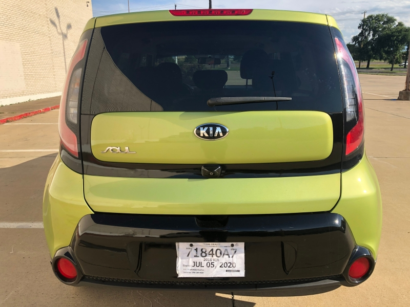 Kia Soul 2016 price $9,988