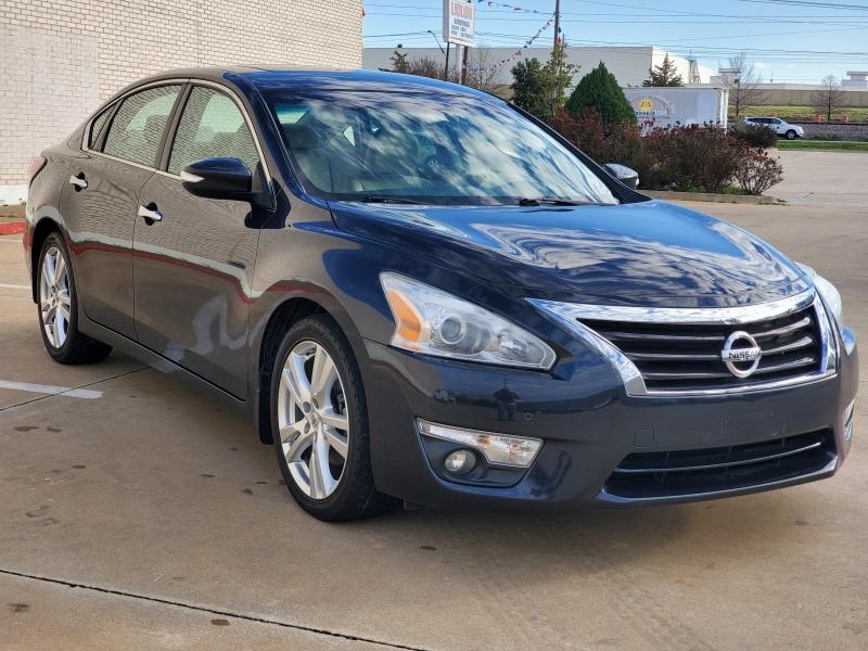 Nissan Altima 2015 price $11,888