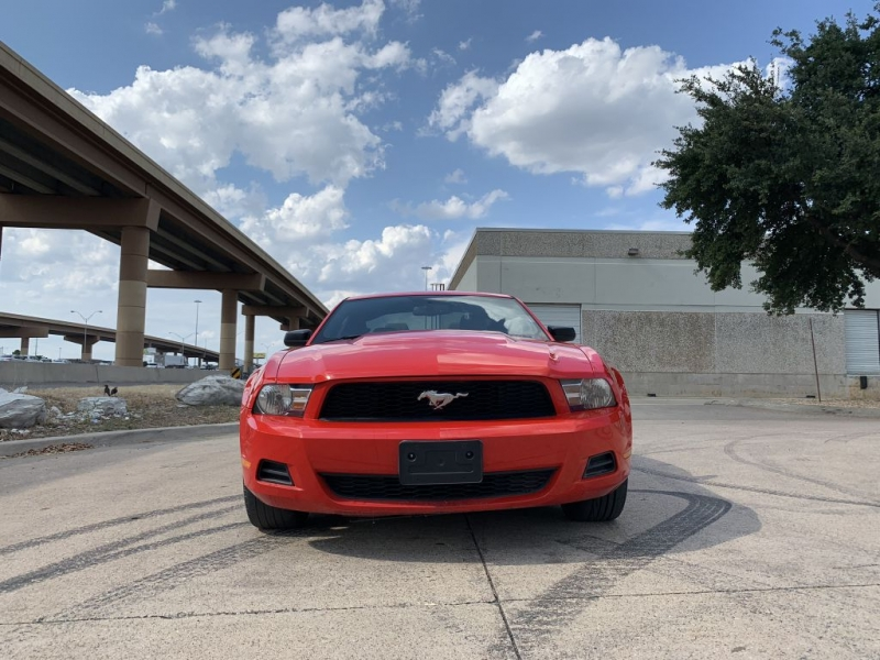 FORD MUSTANG 2012 price $6,900