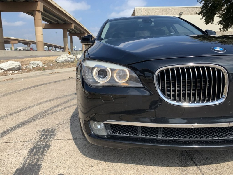 BMW 750 2010 price $11,900