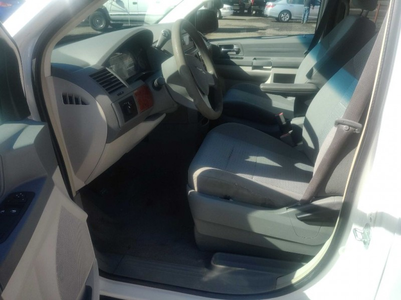CHRYSLER TOWN & COUNTRY 2008 price $6,300