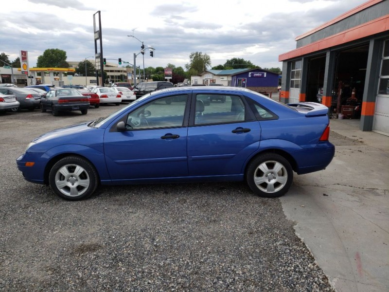 FORD FOCUS 2005 price $3,850