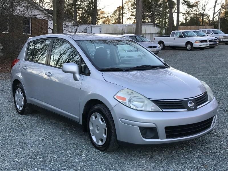 Nissan Versa 2008 price $3,290