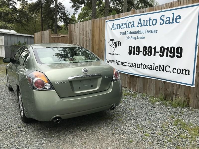 Nissan Altima 2007 price $2,999 Cash