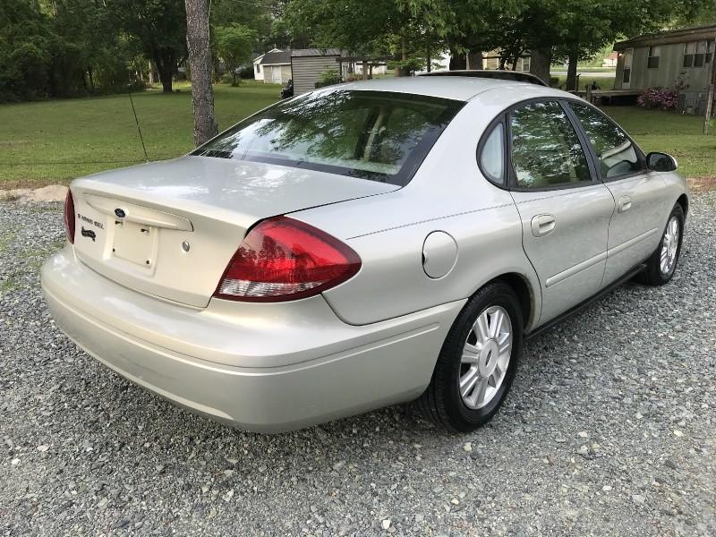 Ford Taurus 2005 price CALL