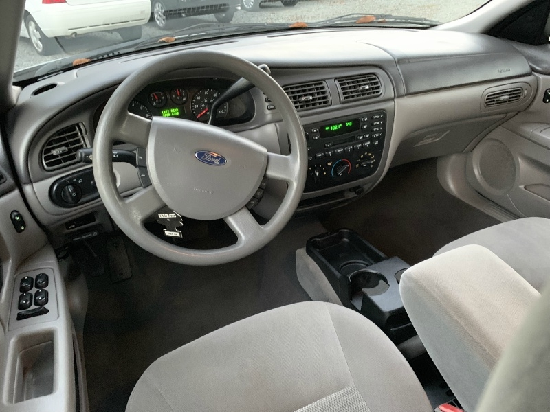 Ford Taurus 2007 price $2,999