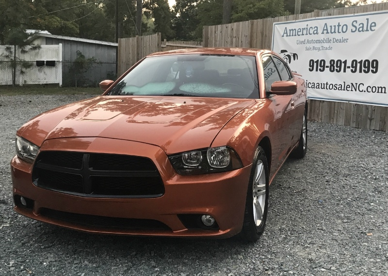 Dodge Charger 2011 price $8,300