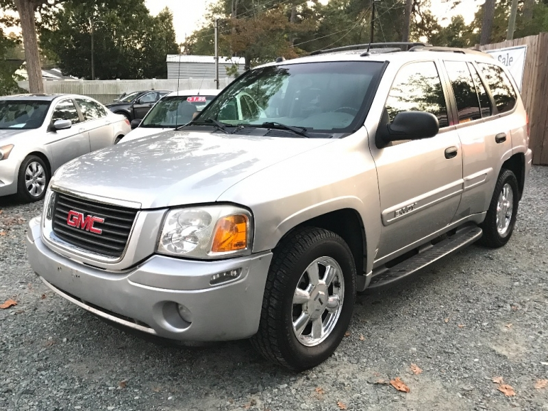 GMC Envoy 2005 price $2,999 Cash