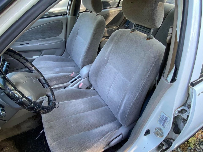Toyota Corolla 1998 price $1,899