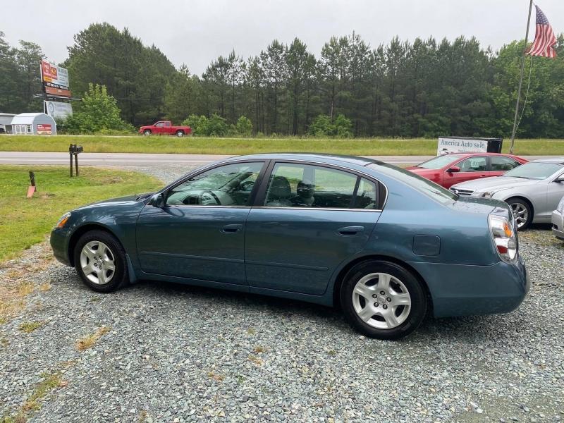 Nissan Altima 2002 price $4,700
