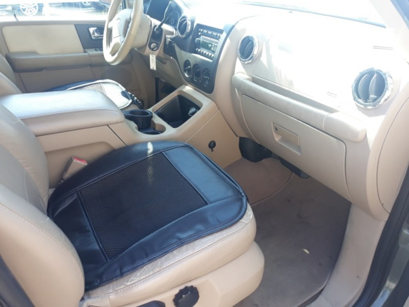 Ford Expedition 2005 price $3,150