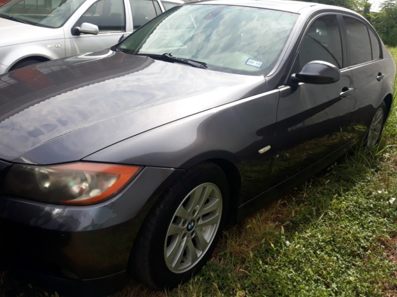 BMW 3-Series 2006 price $2,190